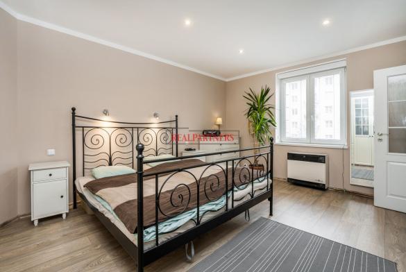 Pěkný byt 1+1 o ploše 44,20  m² v samém srdci Strašnic.