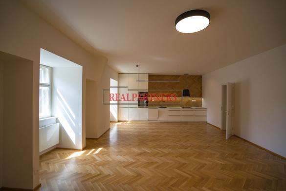 Nově rekonstruovaný byt 3+kk o ploše 130,6 m² na prestižní adrese Dlouhá – Praha 1