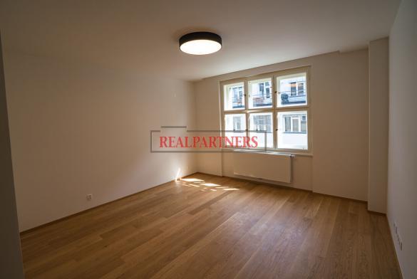 Nově rekonstruovaný byt 4+kk o ploše 148,5 m² na prestižní adrese Dlouhá – Praha 1